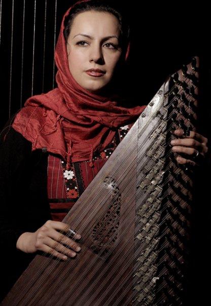 گریزی بر موسیقی اصیل - حسین علیزاده ٬ هنرمندی که درجا نمیزند...